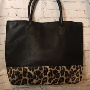 Handbags - NEW black and leopard print tote purse